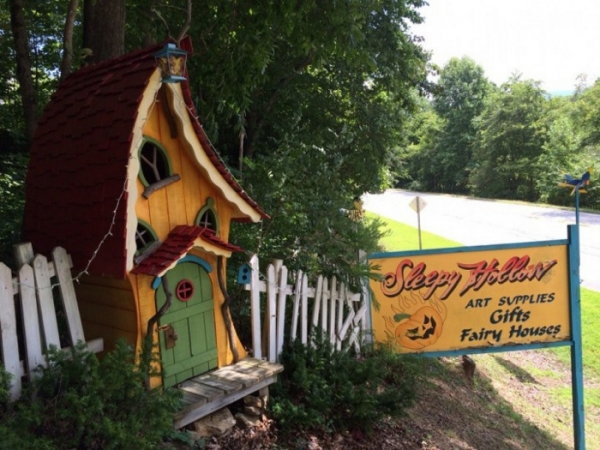Visit the Gnome Homes of Blairsville