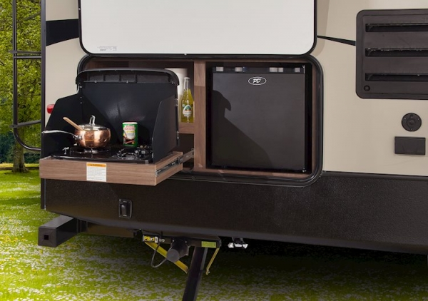 Outdoor Kitchens for Your RV